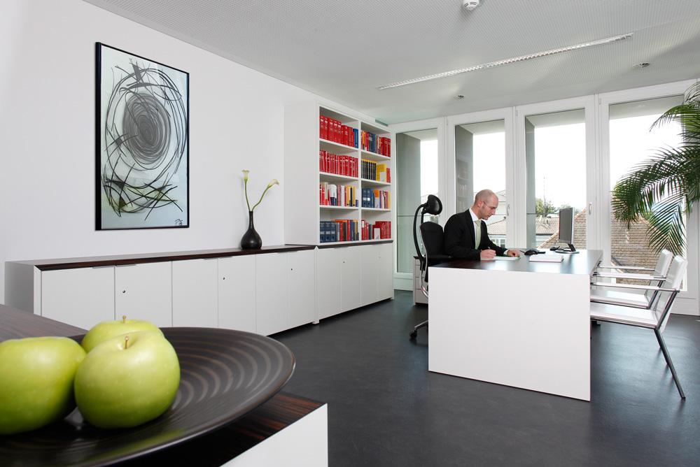 Tankstellenanwalt - Pichler Rechtsanwalt GmbH -  Anwaltskanzlei-Dr.-Pichler-Dornbirn Home